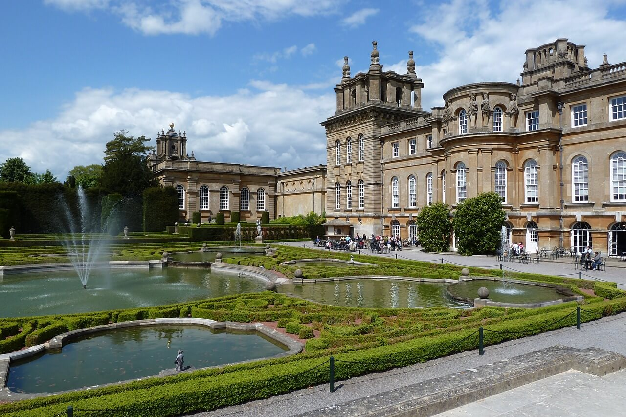 blenheim-palace-867689_1280