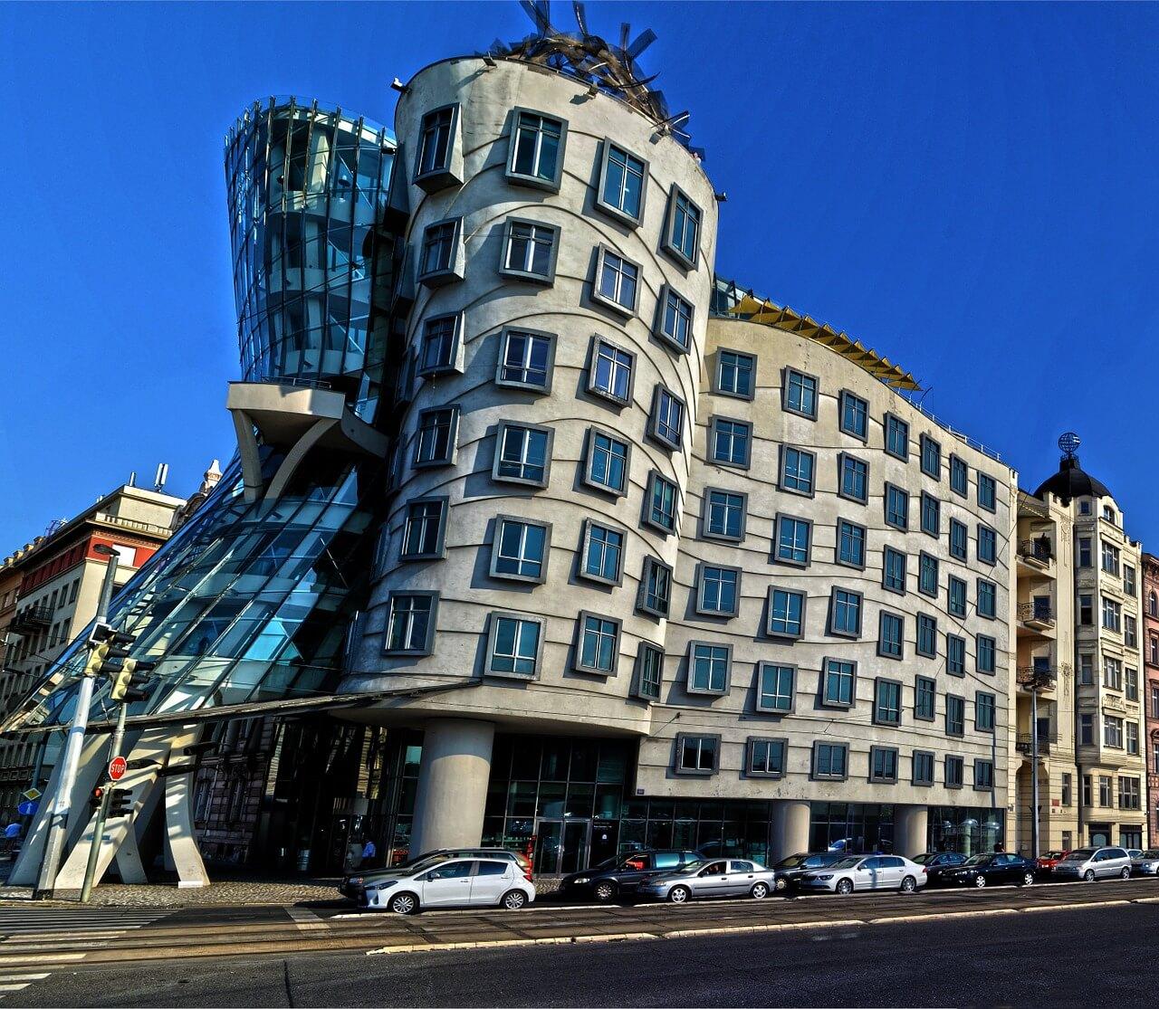 building-922531_1280