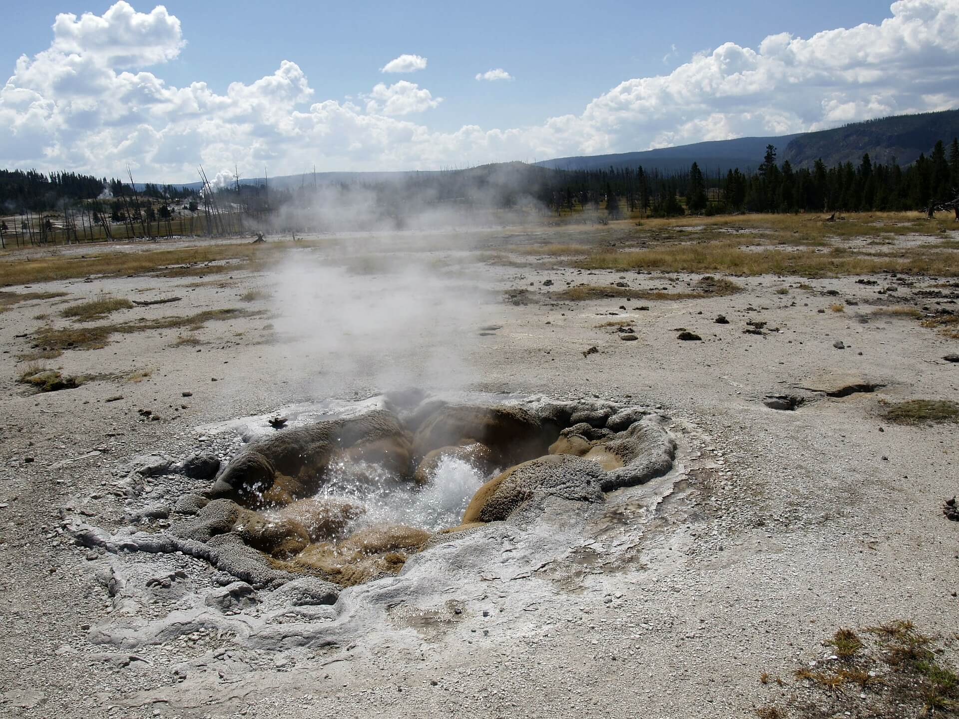 yellowstone-national-park-215196_1920