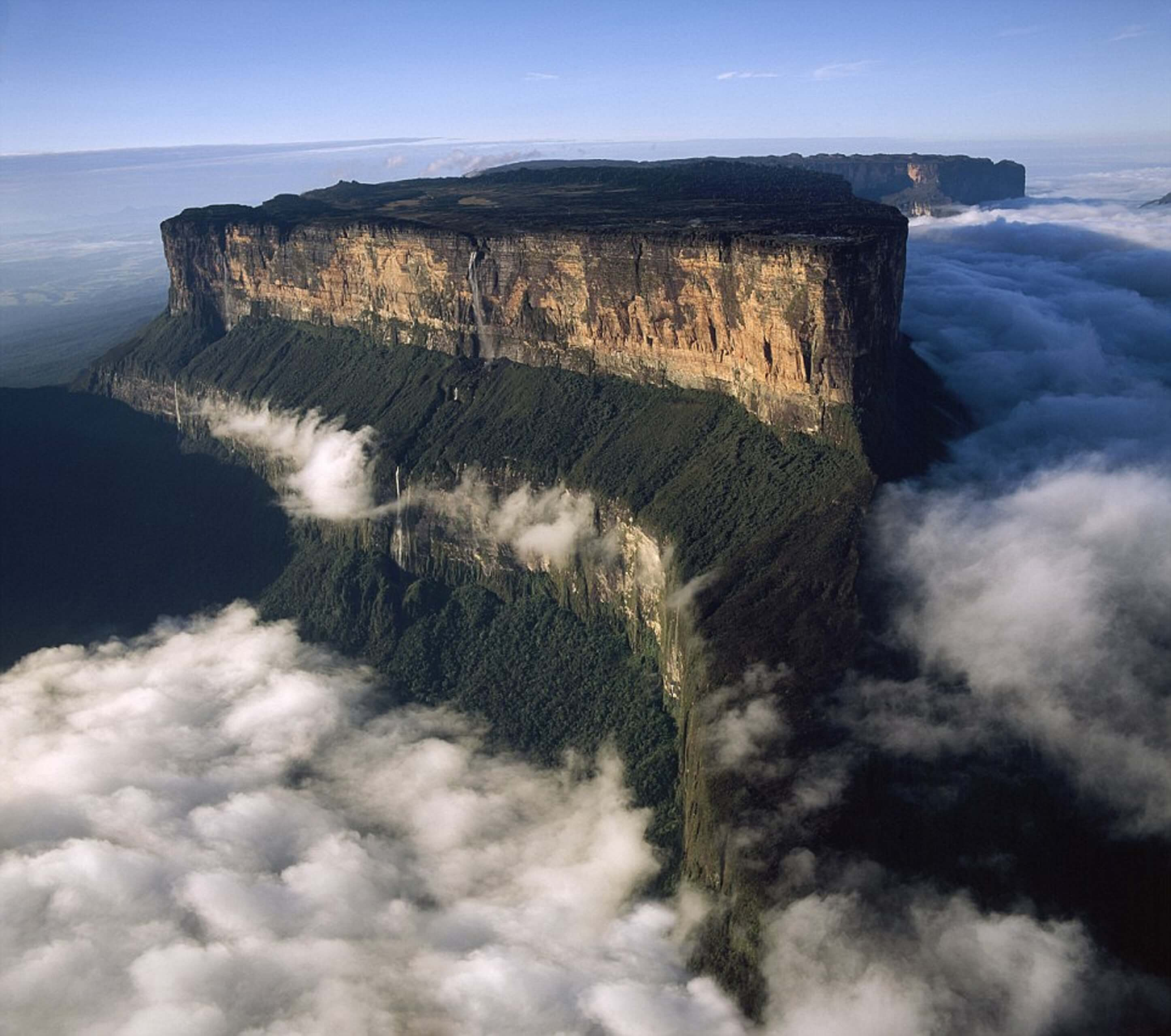10 Truly Amazing Places You Must Visit Before You Die